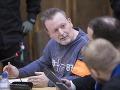 Prokurátor podal obžalobu na členov sýkorovcov: Na tričku majú ďalšie vraždy