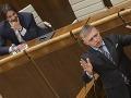 VIDEO Opozícia neuspela, Kaliňák ostáva ministrom vnútra: Parlament mu dôveruje