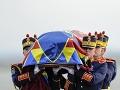 VIDEO Tisícky ľudí sa v Bukurešti rozlúčili s bývalým rumunským kráľom Michalom I.