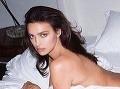 Slávna modelka sa opäť pretŕča nahá: Irina, ty si ale nehanebná mamina!