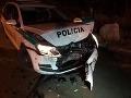 V takomto stave skončilo policajné auto.