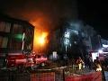 FOTO Pravicoví extrémisti vyčíňali v Aténach: Podpálili kultúrne centrum