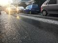 Cestári upozorňujú na hmlu i poľadovicu na cestách v tekovskom regióne