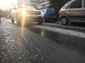 Vodiči, pozor: Na väčšine územia Slovenska hrozí ráno hmla a poľadovica