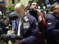 Obchodníci na newyorskej burze sledujú situáciu na trhu v roku 2008.