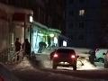 FOTO Lupič za polárnym kruhom urobil nemožné, aby sa dostal k vodke: Toto dokáže len Rus