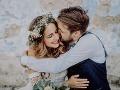 Neuveriteľný príbeh: Žena odpovedala mladíkovi na Facebooku, o šesť dní neskôr sa vzali