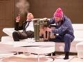 Zľava Ivan Krúpa a Michal Soltész v novej inscenácii Ešte sa to dá zachrániť v Štátnom divadle Košice