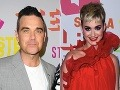 Katy Perry ako XXL Karkulka, Robbie Williams s fešnou ženou!