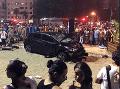 Masaker na známej pláži: Desivé zábery! Auto vrazilo do dovolenkárov, mŕtve dieťa, 17 zranených