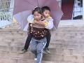Odvážne dievčatko (9) vás dojme k slzám: To, čo robí pre brata, nevyvážia žiadne peniaze