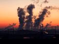 Japonská vláda plánuje znížiť emisie uhlíka: Chce využiť jadrovú energiu a obnoviteľné zdroje