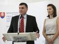 Vláda pripravuje opatrenia: Bič na cudzincov, slovenskí pracovníci sú prvoradí