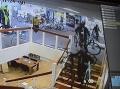 Najdrzejší zlodeji sú v Holandsku: VIDEO LÚPEŽE, ktorú musíte vidieť! Takto vybielili cykloobchod