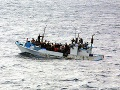 Líbyjská pobrežná stráž mala plné ruky práce: Na mori ratovala 237 ilegálnych migrantov