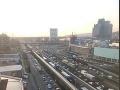 Dopravný kolaps v Bratislave: Vodiči strácajú nervy, desiatky minút v kolónach po celom meste