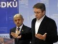 Dvojnásobný expremiér Mikuláš Dzurinda a exminister financií Ivan Mikloš oznámili v stredu 4. júna 2014, že vystupujú z materskej SDKÚ-DS.