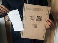 Angličanke (18) doručili balíček k narodeninám: FOTO Po jeho otvorení radosť vystriedal šok