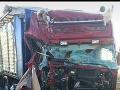 PRÁVE TERAZ Hrozivá zrážka dvoch kamiónov na diaľnici pri Bratislave