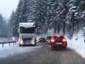 Záver roka v znamení snehu a poľadovice: Vodiči, na cestách buďte mimoriadne opatrní