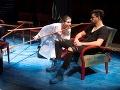 Alena Ďuránová a Andrej Palko v novej inscenácii Znovuzjednotenie Kóreí v Štátnom divadle Košice