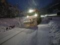 Cesty sú na celom území zjazdné, cestári však varujú pred hmlou a zľadovateným snehom