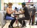 VIDEO Mladík si dohovoril rande s kráskou: Vôbec si nevšimol, že je na nej niečo poriadne čudné