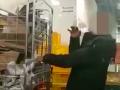 Polícia zverejnila smutné VIDEO: Takto vyzerá zdrogovaný človek pri bratislavskom Pentagóne