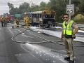 23 žiakov zažilo chvíle, na ktoré do smrti nezabudnú: Ich školský autobus zachvátil požiar
