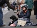 Bezdomovec dostal od neznámeho muža mobil: O osem dní neskôr sa mu zmenil život