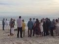 Žena totálne pokazila svadbu na pláži: Okamih na FOTO, ktorý vyvolal salvu smiechu