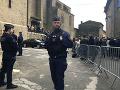 Súdia teroristov z Francúzska: Na polovicu uvalili väzbu, mali pomáhať útočníkovi