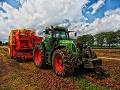 V Stropkove vyšetrujú podvod s predajom traktora: Polícia obvinila Michala (34)