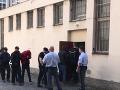 Šestica turistov skončila pred súdom