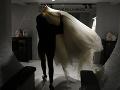 Ulakomil sa na neobvyklý lup: Z domu na západe ukradol 30 svadobných šiat
