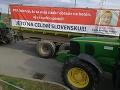 Farmári protestujú proti agrodotáciám.