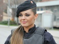 Ako modelka: Slovenská policajtka rozvášnila tisícky mužov, kvôli tejto tváričke porušujú predpisy