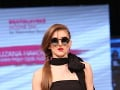 Ďurovčíkova mladá frajerka v odvážnom modeli: Na móle bez podprsenky!