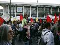 Protivojnový protest v Aténach: Demonštranti chceli strhnúť sochu exprezidenta Trumana