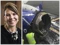 Najhoršia smrť! FOTO Boeingu vybuchol v 10 km motor, ženu (†43) takmer vytiahlo von