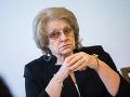 Opozícia chce poslať do Tomanovej úradu NKÚ, komisárka sa kontrole nebráni