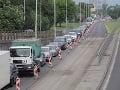 Dopravný analytik varuje: Bratislavu čaká katastrofa, vodiči budú hodiny v zápchach