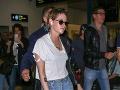 Kristen Stewart si na svoj vzhľad príliš nepotrpí. Zanedbaná pleť, neumyté vlasy a dotrhané oblečenie.