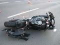 Tragédia pod Tatrami: Pri zrážke motocykla s osobným autom zahynuli obaja manželia