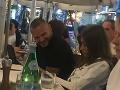 Patrik Rytmus Vrbovský a Jasmina Alagič si zašli na romantickú večeru do Viedne.