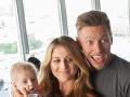 Thomas Puskailer s manželkou a synčekom.