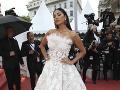 Nicole Scherzinger žiarila v takýchto bielych šatách.