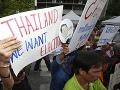 Situácia v Thajsku je stále horšia: Na 200 demonštrantov poslali tisícky policajtov
