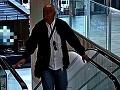Krádež a vlámanie v Bratislave: FOTO Spoznávate týchto mužov? Môžu pomôcť s ich objasnením