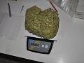 Mladík išiel do Česka na veľký nákup: Chytili ho policajti, pri sebe mal 600 gramov trávy
